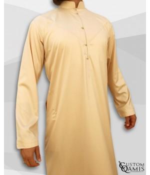 Qamis Emirati Tissu Precious Beige Satiné Col Bahraini