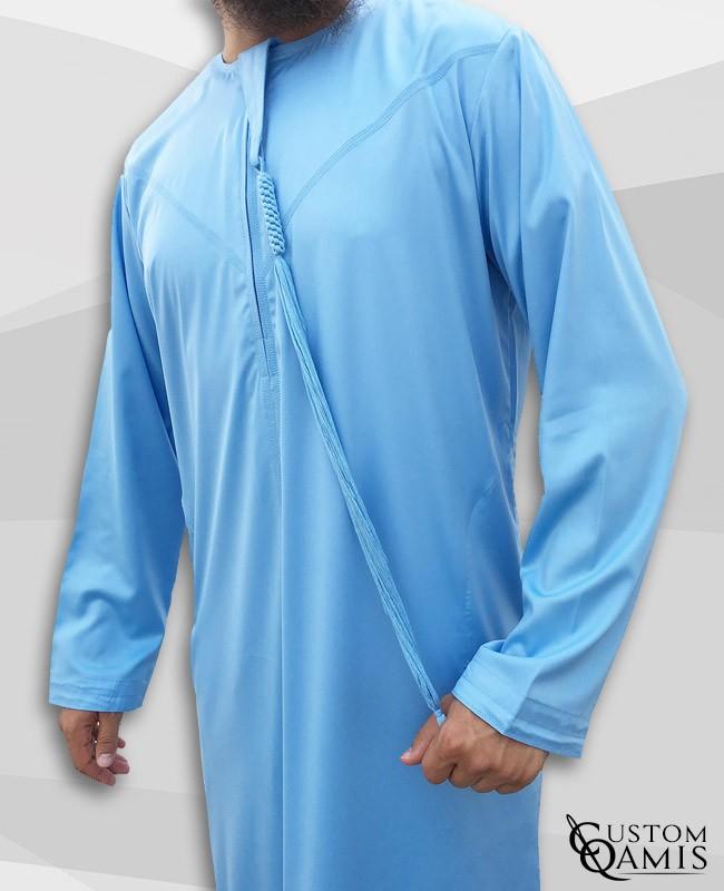 Qamis Emirati bleu ciel satiné à zip