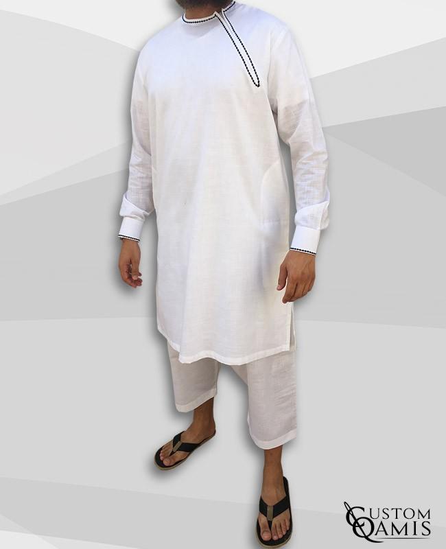 Ensemble Pakistannais en lin crème avec broderie noire et serwel coupe qandrissi