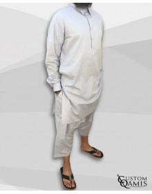 Ensemble Pakistannais en lin gris clair à col avec serwel coupe qandrissi