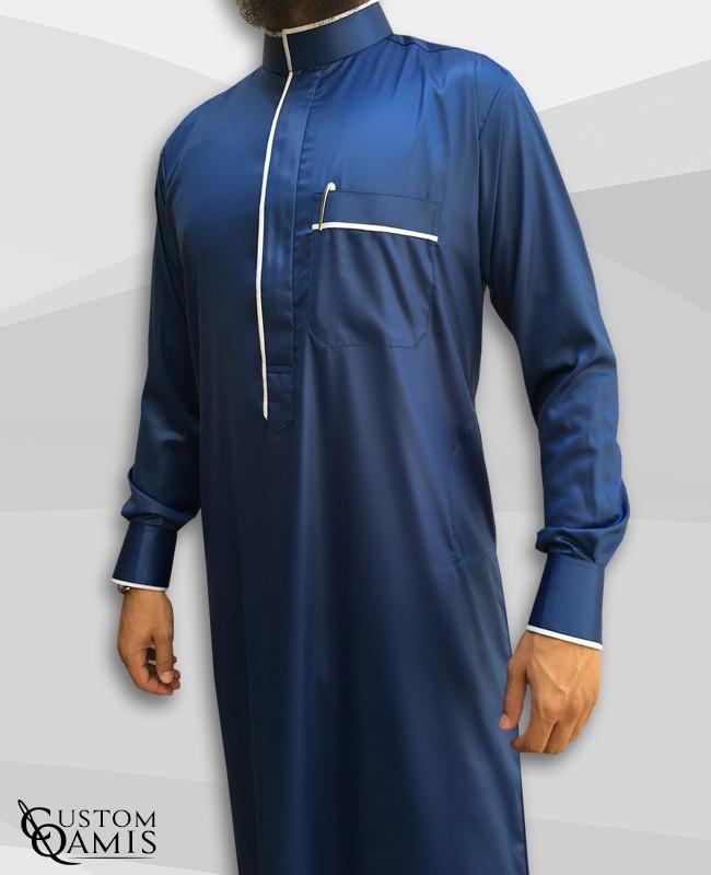 Qamis Edge tissu Precious bleu roi satiné et blanc satiné avec manchettes