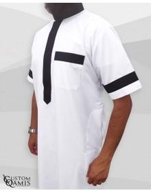 Qamis Two Tone tissu Platinium blanc et noir col Saoudi manches courtes