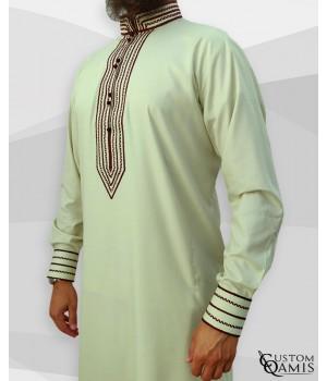 Qamis Sultan Cotton anis et broderie bordeaux
