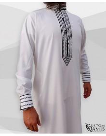 Qamis Sultan Platinium Blanc avec broderie noire