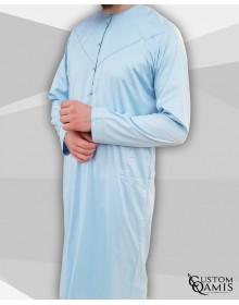 Qamis Emirati Precious bleu ciel satiné avec pressions