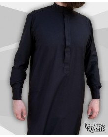 Qamis Classic Tissu Cashmere Wool noir avec col Saoudi