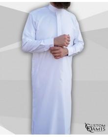 Qamis Classic Saoudi blanc satiné Tissu Luxury avec manchettes