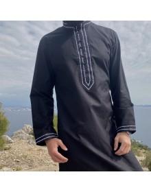 Qamis Sultan Tissu Linen Noir broderie blanche