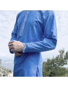 Qamis Al Masaf coupe tunique tissu Linen Bleu Saphir avec broderie